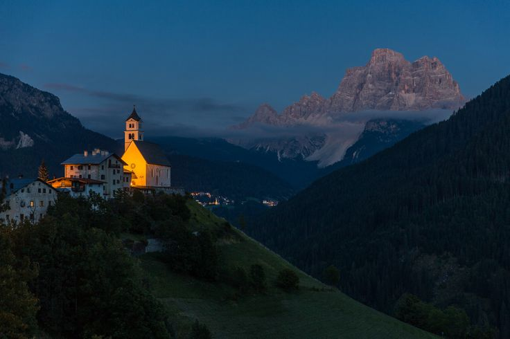 Colle Santa Lucia after sunset