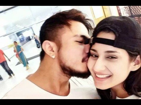 In Graphics: Aditi Rathore defends boyfriend Irengbam Shreedhan Singh from trolls! http://ift.tt/2s5mqDH https://t.co/jmcZouWAiA #NewsInTweets