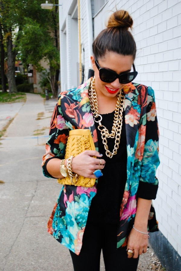 FLORAL BLAZER +BLACK + GOLD CHUNKY JEWELERY