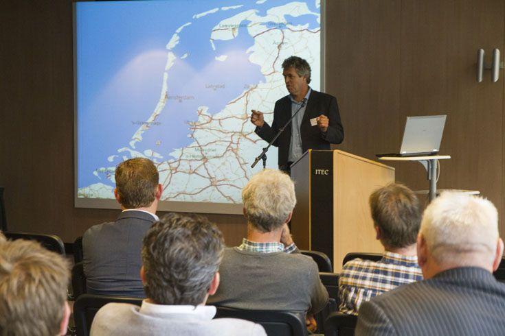 Benedikt van Roosmalen toont wat er met Nederland gebeurt als er niets aan de klimaatverandering wordt gedaan... Bekijk zijn presentatie: www.noa.nl/nieuws/gevelisolatie-het-hoe-en-waarom-voor-omzet-groei!/