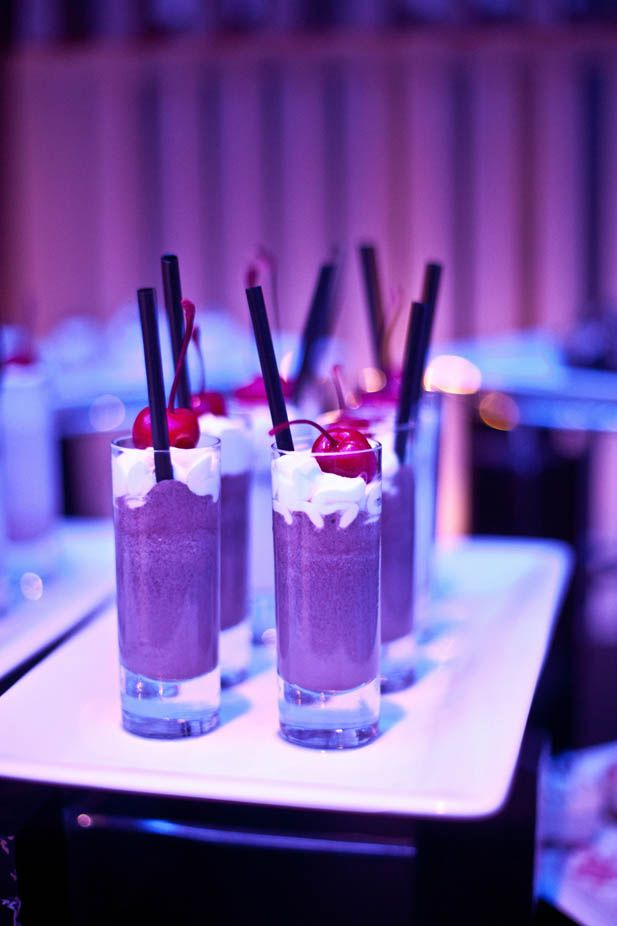 Late night wedding snacks: Milkshake shooters