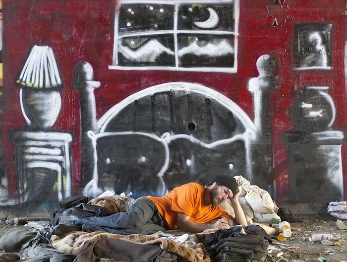 This LA Graffiti Artist Skid Robot Incorporates Homeless People into His Pieces   VICE United States