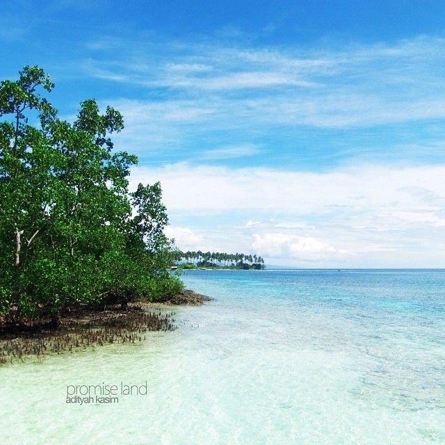 """Poso, hidden paradise"" Kamalalea Beach, Poso, Central Sulawesi, Indonesia January 2011 #beach #paradise #indonesia #poso #centralsulawesi #visitindonesia"