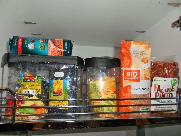 Podívejte se co má ve své potravinové skříni výživová poradkyně a že ty  správné zásoby vám mohou přivést i lásku do života