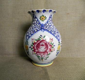 Keramická váza s vlnkou