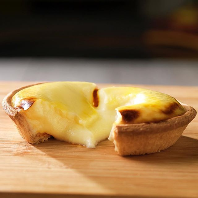 OOZING NEWS: Have you heard of Japanese baked cheese tarts? Well, if you haven't you ought to Google it! Melbourne will open their first Hokkaido Baked Cheese Tart shop in Melbourne Central this Saturday and another in QV next Saturday! The hype is real. #bakedcheesetart @hokkaidoau  @harveypr