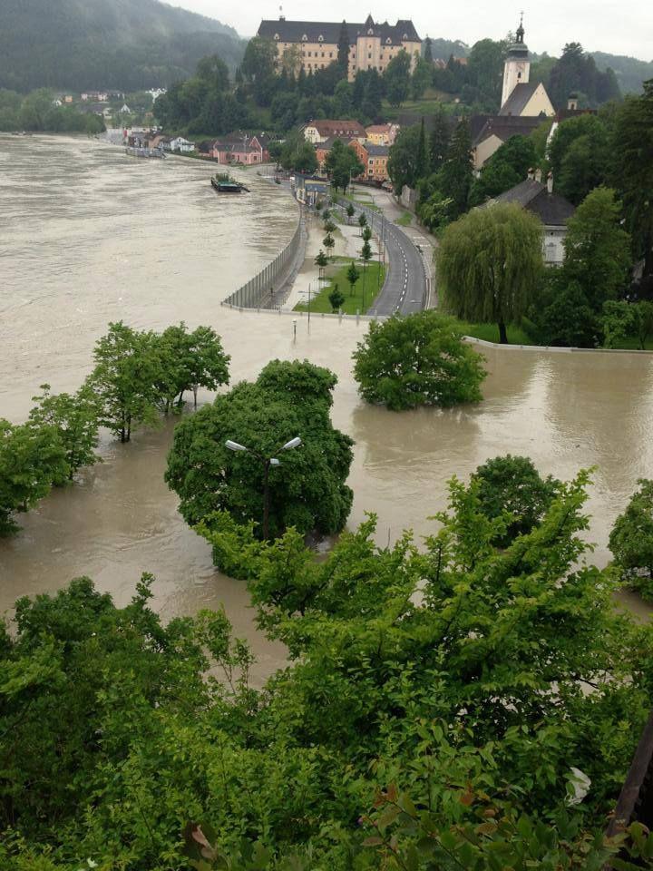 Machlanddamm-flood-wall-austria