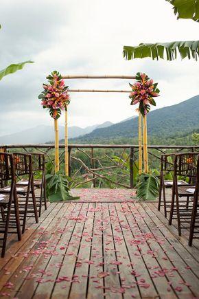 costa rica wedding ceremony decor. photo by abritandablonde.com