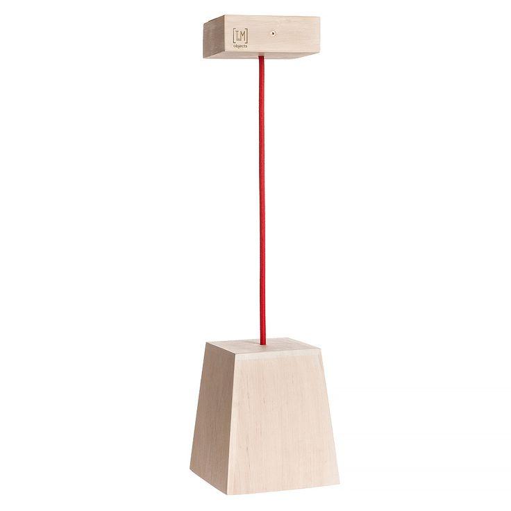 Модель: Н2 Цена: 900 грн Деревянный абажур модели H2 создаст локальное освещение под этим светильником. Используя возможность регулировки длинны кабеля можно задать нужные параметры освещения.Также можно заказать несколько абажуров на одной платформе. Материал: дерево (ольха) Покрытие: Масло Watco Danish Oil (USA), Морилка на масляной основе Varathane (USA) Абажур: 17 Х 15 Х 15 см Платформа: 8 Х 8 см Абажур: 12,5 Х 12,5 см Длина кабеля: 1 м