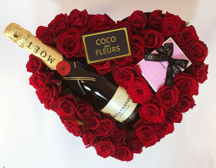 COCO des FLEURS coco des Fleurs  #boxedroses #beautifulroses #luxuryboxedroses #cocodesfleurs #cocoluxur #deeppink #hotpink #redroses #blushroses #valentinesday #hightea #bridalgifts #bridesmaids www.cocoluxur.com.au