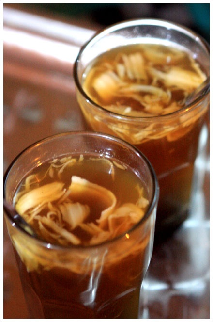 BANDREK (Spiced Ginger Tea). The sooting effects of ginger make a nice nightcap. Some people like to add warm milk, either cow's or coconut, to their bandrek. If you feel cold, Bandrek (Spiced Ginger Tea) is the best choice to warm up your body. It's the mix of ginger, lemon grass & palm sugar. Soothing!