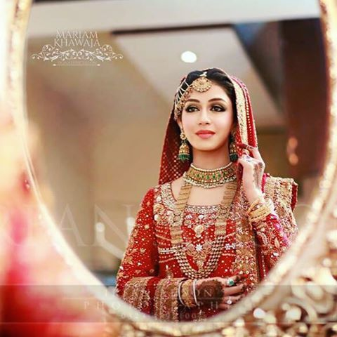 """42 Likes, 1 Comments - Pakistan's Finest (@pakistanelitefinest) on Instagram: """"#traditional brides are our #favorite ❤️ This #amazing shot taken by #irfanahson and #makeup by…"""""""