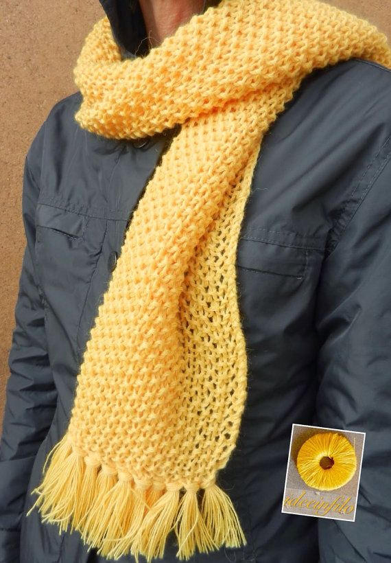Yellow scarf by Ideeinfilo on Etsy Sciarpa fatta ai ferri