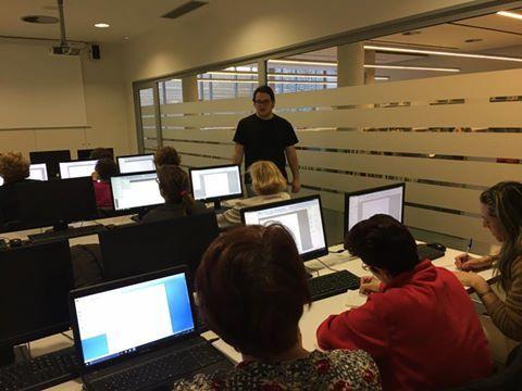 Curs d'informàtica bàsica amb l'Aitor, a l'aula multimèdia de la biblioteca #Esparreguera #quèfemalesbibios