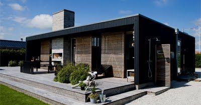 This summer house is located in Horsnes/Denmark, designed by the owners and GinnerupArkitekter.
