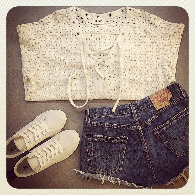#lookdujour#lookoftheday#look#ootd#outfit#spring#summer#collection#blouse#fashion#style#lifestyle#mode#top#BLAKe#white#lace#short#denim#vintage#levis#shoes#basket#new#belair#BelairParis