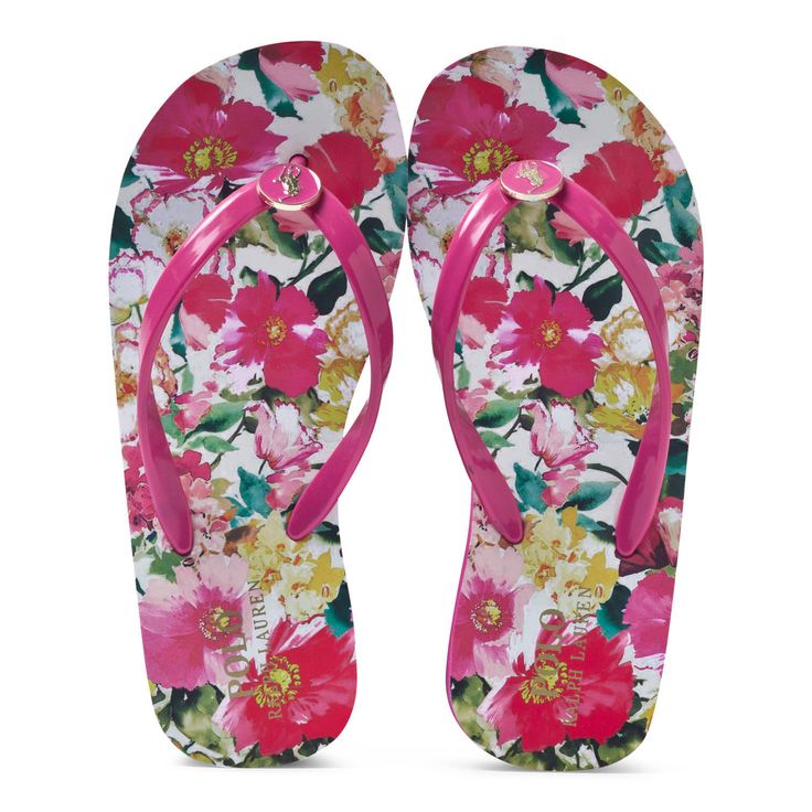 Ensure that your little lady is summer-ready with the pink floral wedged flip flops by Ralph Lauren. Crafted from soft and lightwe
