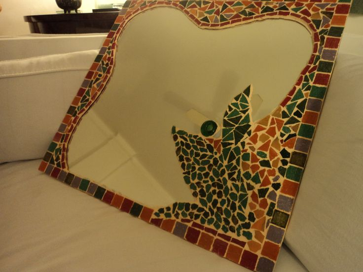 Tecnica de mosaico sobre espejo hecho con venecitas y for Mosaicos para espejos