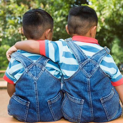 Google Image Result for http://content.everydayhealth.com/wte3.0/gcms/raising-twins-06-pg-full.jpg