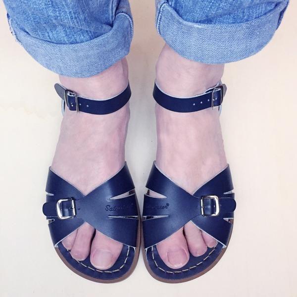 Salt Water Sandals Classic Navy Sandalen, Gesp en Water