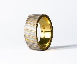 Tommi Salonen / SAVU design - Kelo (wide ring) NordicJewel.com
