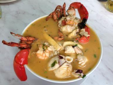 Parihuela, sopa a base de pescado y mariscos: Parihuela