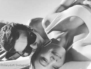 海外セレブニュース&ファッションスナップ: 【ヒラリー・ダフ】恋愛モード全開!新恋人となんだか生々しいラブラブショットを投稿!