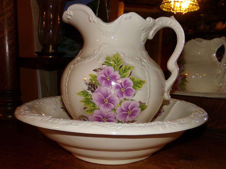 494 best wash bowls and pitchers images on pinterest bowl set water pitchers and porcelain. Black Bedroom Furniture Sets. Home Design Ideas