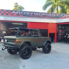 "Welcome To Aros Y Gomas Inc on Instagram: ""Like New Bronco 2 New Build✔️ matte green Fuel 20 on 37"""""