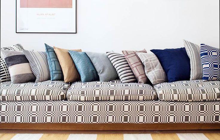 Freche Kissen- und Möbelbezüge im natürlichen Farben / Cheeky Pillowcases & furniture covers in natural colors | Johanna Gullichsen | Heimtextil 2016 | TOP FAIR Blog