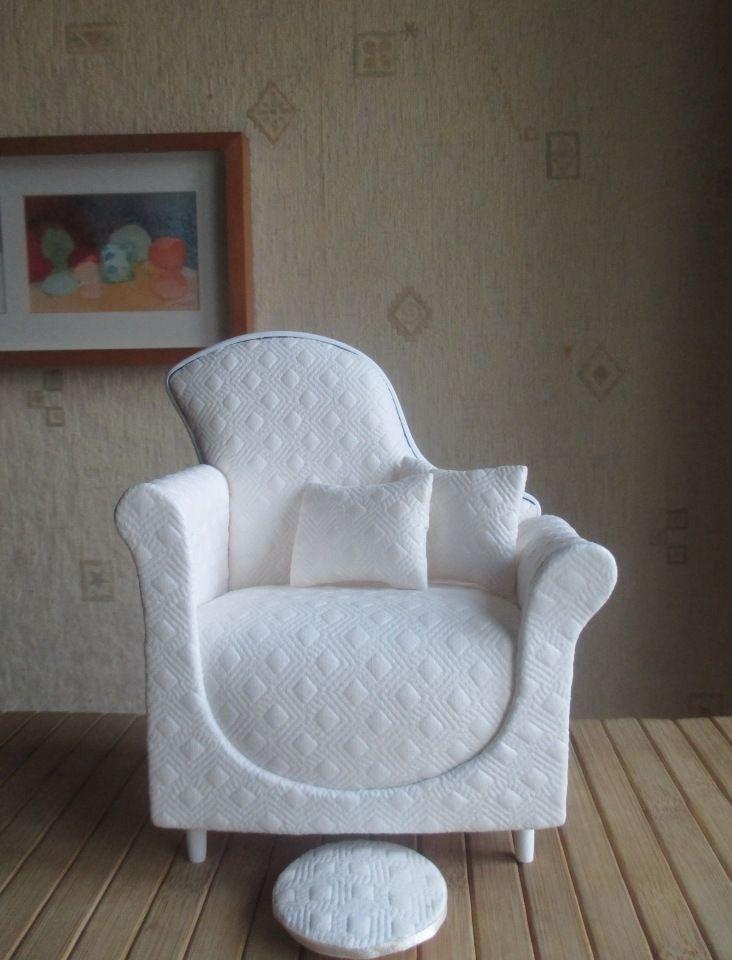 """Кожаное кресло с танкеткой """" Белоснежное """" Для кукол от небольших и до 35 см / Кукольная мебель / Шопик. Продать купить куклу / Бэйбики. Куклы фото. Одежда для кукол"""