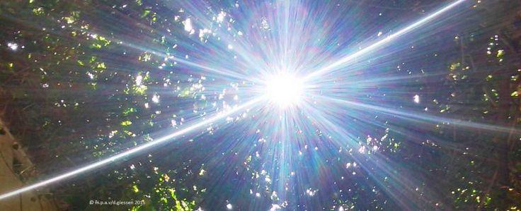 Licht in de duisternis........ by maarten van de giessen