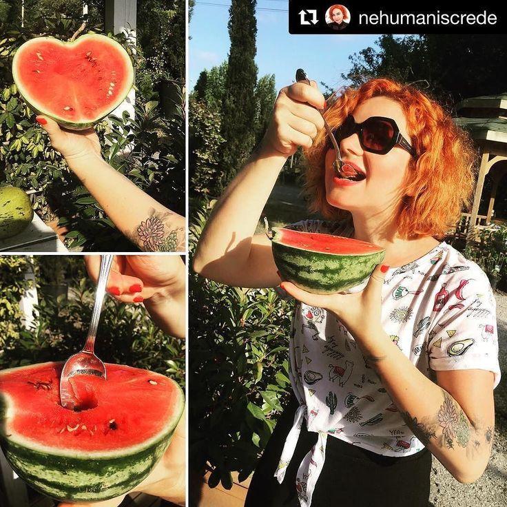 #Repost @nehumaniscrede (@get_repost)  Yaz karpuzum kalp karpuzum @shapedfruit  #shapedfruit #kalpkarpuz #summer #delicious