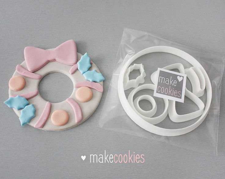 Christmas Wreath Cookie Cutters Set (6 pieces) by MakeCookies on Etsy