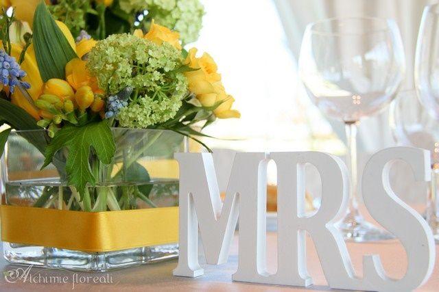 tulle e confetti - #matrimonio in giallo - tavolo #sposi dettaglio- #alchimiefloreali - #yellowwedding