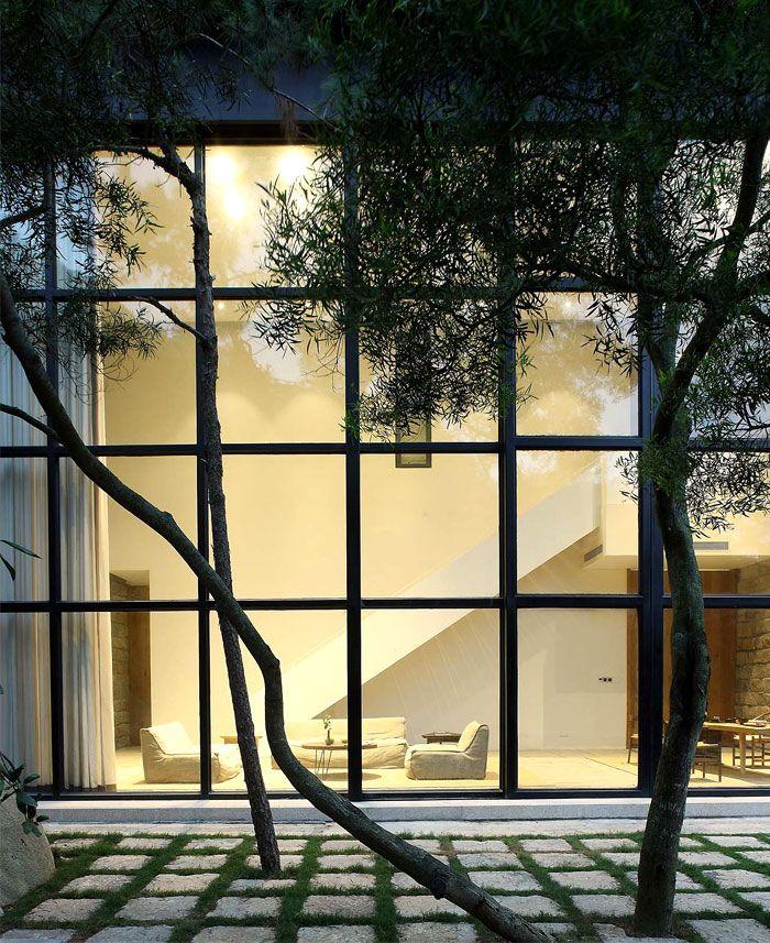 Peaceful Countryside Retreat by FMX Interior Design - InteriorZine