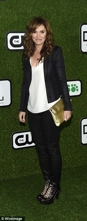 Black beauties! Actresses Roselyn Sanchez and Amy Brenneman attended the awards show witho...