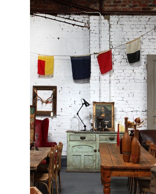 : Vintage Looks, Rooms Vintage, Vintage Wardrobe, Vintage Wareh, Vintage Industrial Bedrooms, Vintage Flags, Nooks Vintage, Vintage Furniture, Design File