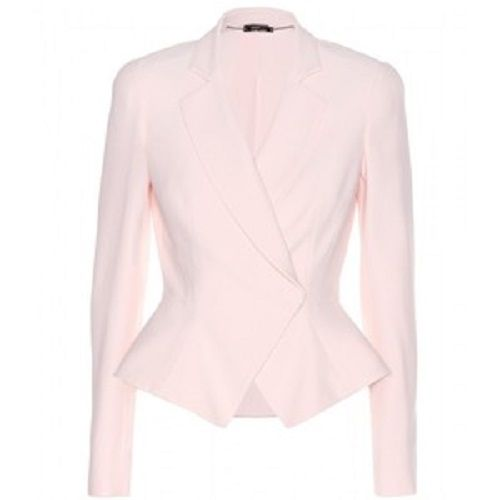 Blazers are a great wardrobe staple this season. Shop our range of smart and stylish blazers. Click now for free ...