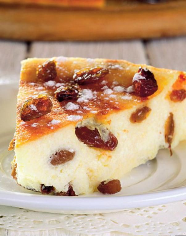 Prăjitură cu brânză și stafide