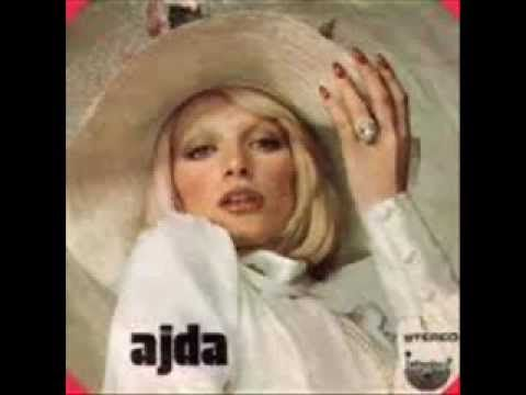 ✿ ❤ Perihan ❤ ✿ ♫ ♪ Ajda Pekkan - Haram Olsun Bu Aşk Sana (1974) (şarkının orjinali: Mireille Mathieu : Toi que je désire- 1970) (sözler: Sen oralarda sevgiden benden uzak  Belki mutlusun belki deli  Bense burada kimsesiz çocuk gibi  Bekler dururum bir dost eli  İç içebilirsen kadehler zehir gibi  Hasretten geç geçebilirsen sevgimden  Dön dönebilirsen herşeye o günlere  İstersen git gidebilirsen kalbimden  Sen oralarda razıysan unutmaya  Söyle sevgilim yazık bana...dvm)