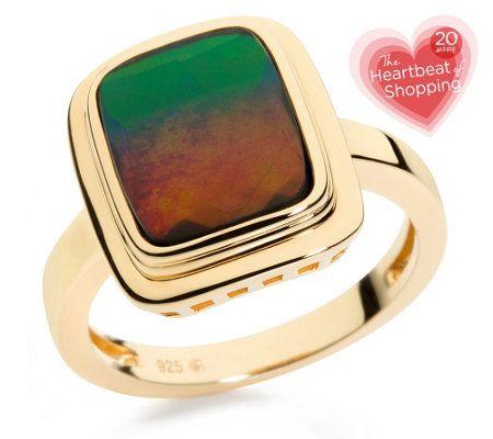 Ring mit Ammolith-Bergkristall-Triplette. Auf dem wunderschönen Ring aus rhodiniertem, vergoldetem Silber kommt die Ammolith-Bergkristall-Triplette ausdrucksvoll zur Geltung. Der Stein hat einen facettierten Kissenschliff und ist in Zargen gefasst. Jetzt zum extra-günstigen Geburtstagspreis. Nur bis Monatsende. #20JahreQVC #HeartbeatofShopping