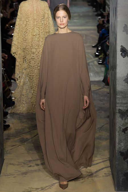 Valentino Couture Spring '14. After my own damn heart with these minimalist pieces.