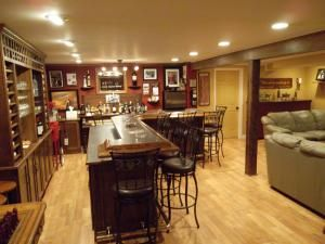 Best 10 home bar plans ideas on pinterest bars for home for Do it yourself home bar designs