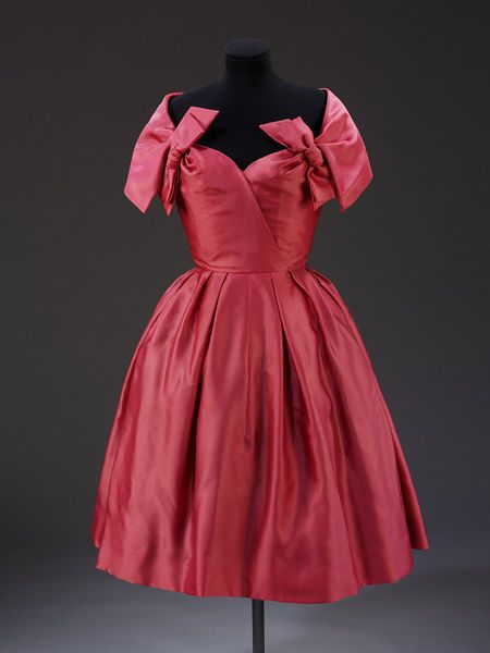 Cocktail dress by Marc Bohan for Christian Dior, 1957 | Victoria and Albert Museum #fashion #vintage