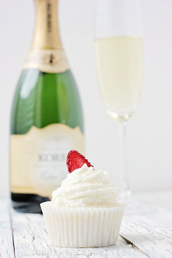 Champagne Cupcakes - Cupcake Daily Blog - Best Cupcake Recipes .. one happy bite at a time!