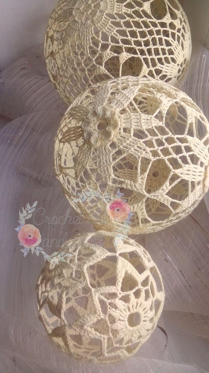 Średnica - kolejno od góry: 14 cm, 12, cm i 8cm najmniejsza :) , kordonek bawełniany #szydełkowekule #handmade #crochetlace #Christmasdecor #cottonballs #lace