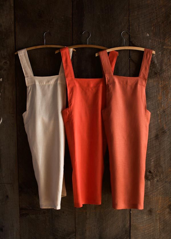 Linen Cross Back Apron FREE sewing pattern