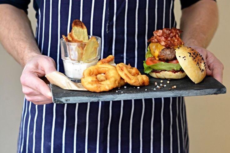 Kitchen story | Hamburger s domácí houskou | http://www.kitchenstory.cz