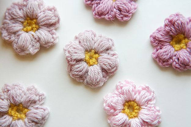 Crochet Flower Puff Pattern : DIY: crochet puff flower (Tutorial: http://littlegreen ...